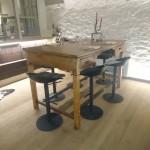 Ensemble table et tabouret
